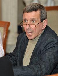 Борис Смолкин капитан команды, азартный игрок и завсегдатай клуба