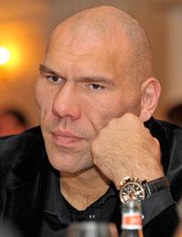 Николай Валуев – один из лучших капитанов, победитель предыдущих игр, любитель Интеллектуальных игр